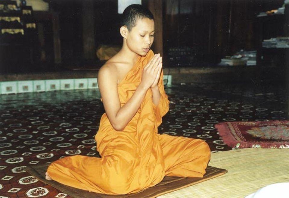 Sumit spricht ein Gebet