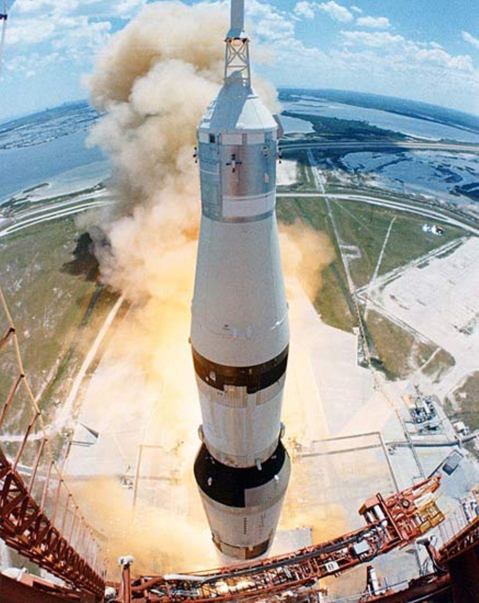 Mondlandung: Im Zentrum des Apollo-Programms stand die Entwicklung einer leistungsstarken Träger-Rakete