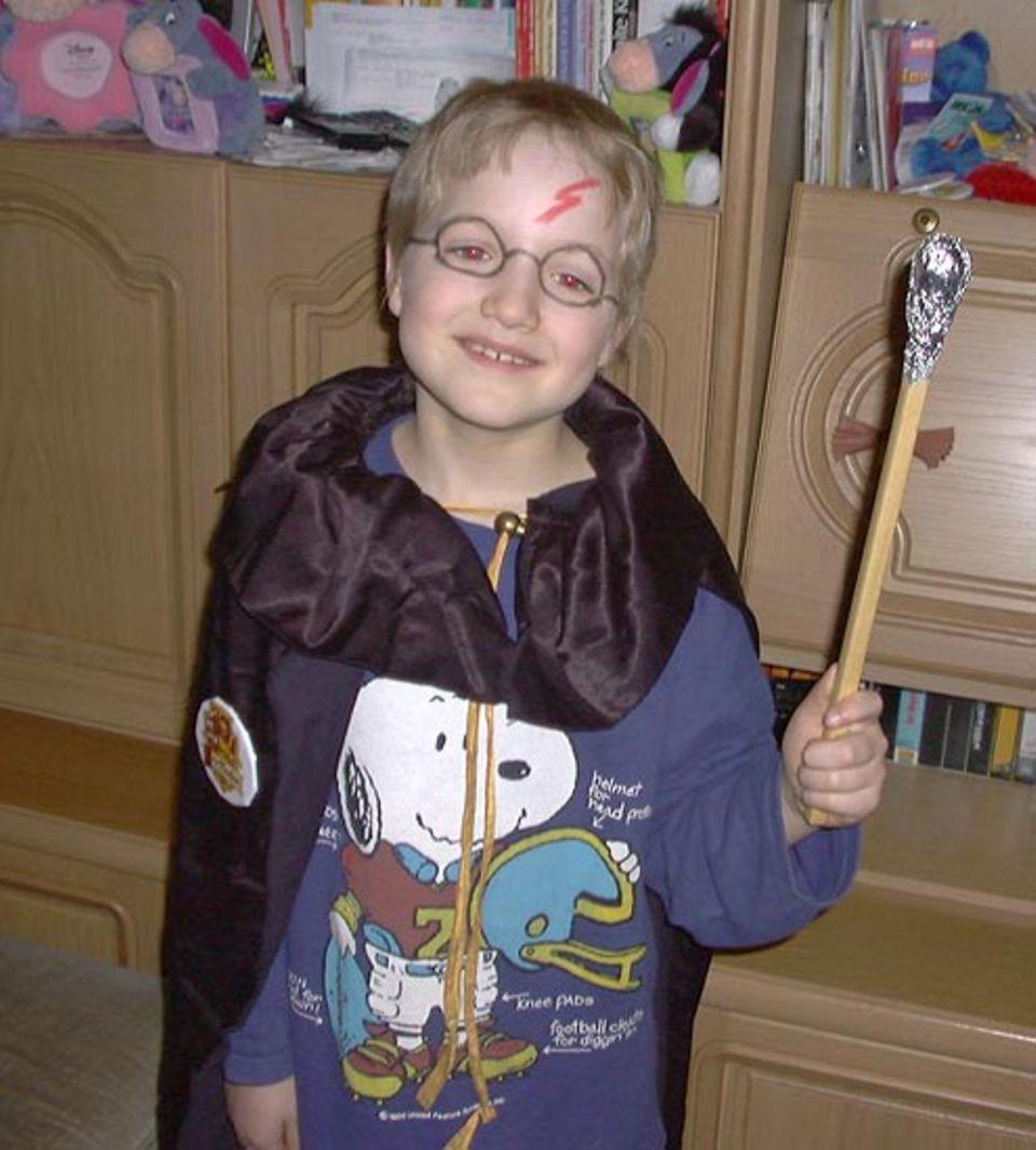 Auch in Karlsruhe steht Harry Potter hoch im Kurs: Der achtjährige Jonathan ist ein großer Fan des Hogwarts-Schülers