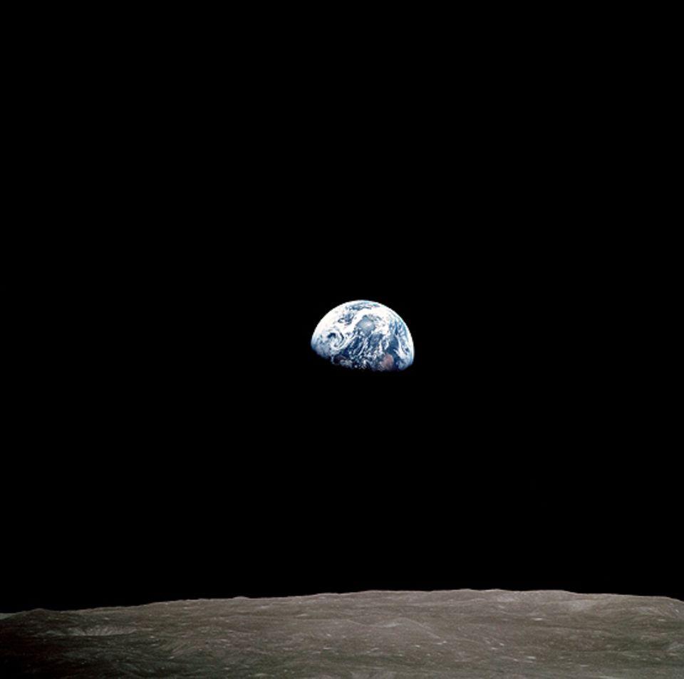 Astronomie: Der Anblick eines Erdenaufganges bleibt bislang Astronauten vorbehalten (Aufnahme aus der Apollo 8)