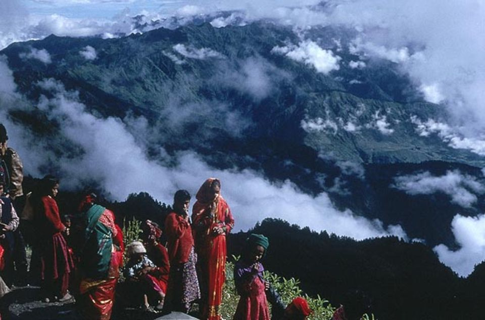 Den heiligen Berg Kalinchok, auf den die Pilger ziehen, haben Schamanen in ihren Visionen gefunden