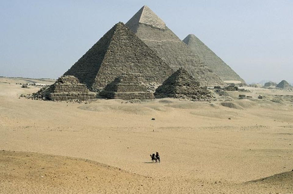"""""""Diese unerbittlich großen Dinge Aegyptens"""" schrieb Rainer Maria Rilke - hier die Pyramiden von Gizeh"""