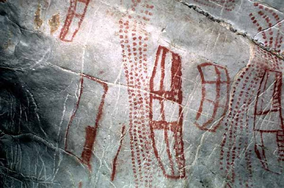 Zeichen in roter Farbe, Höhle El Castillo (Nord-Spanien)