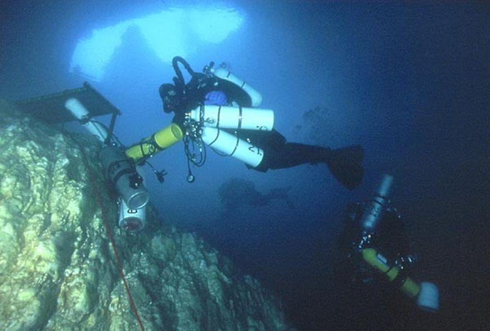 Die Taucher nutzten Gasmischungen, die auf unterschiedliche Tiefen optimiert sind