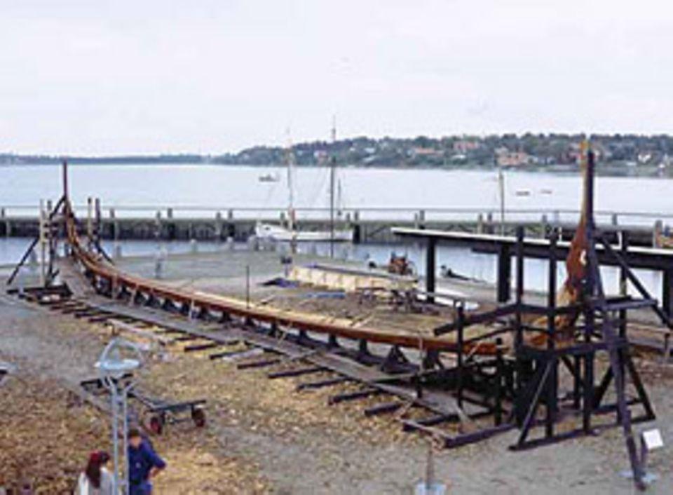 """Auch als """"Boot-Skelett"""" ist das Wikingerschiff schon beeindruckend."""