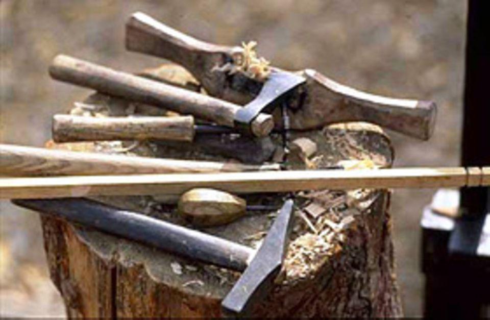 Gearbeitet wurde nur mit Werkzeugen, die auch die Wikinger nutzen konnten.