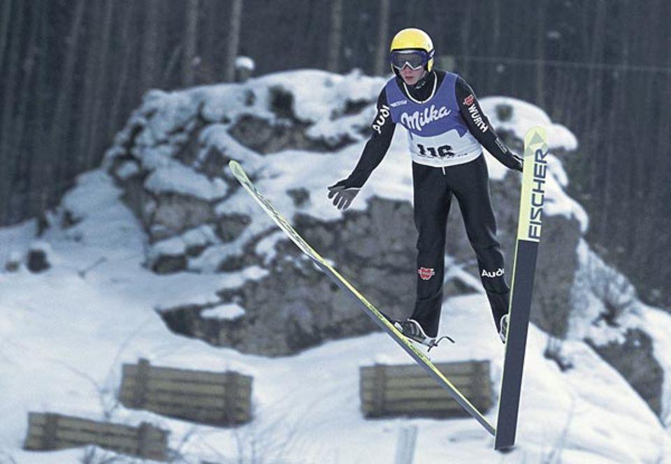Beruf: Dank der V-Technik bietet der Skispringer dem Wind besonders viel Angriffsfläche