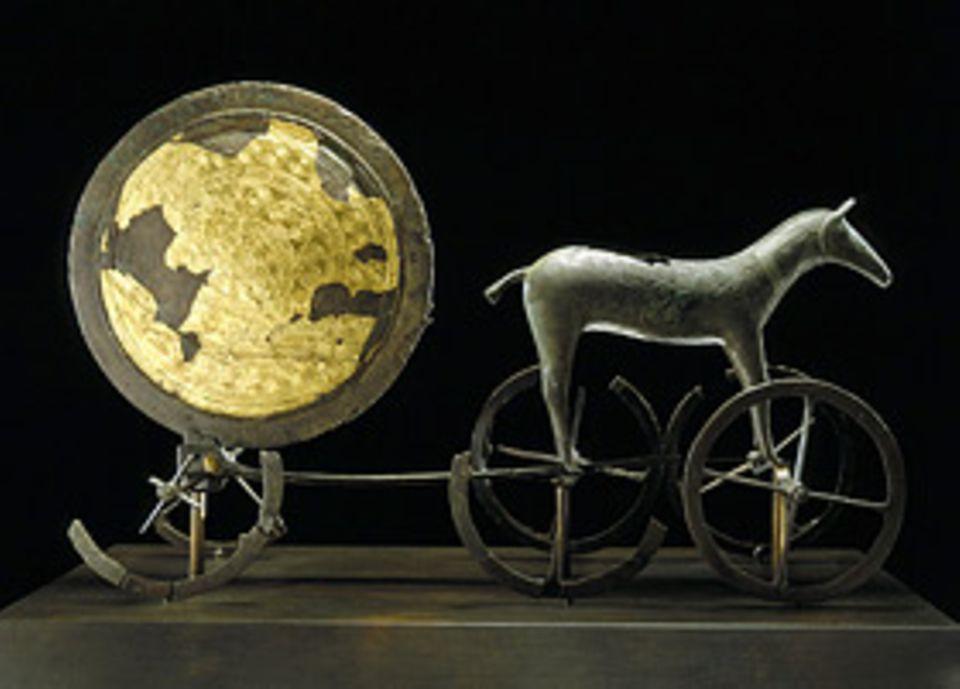 Himmelsscheibe von Nebra: Noch ein Bronzezeitfund: Der Sonnenwagen von Trundholm