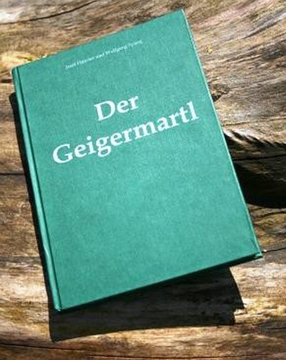 """Beruf: Wolfgang Spang hat es geschafft und kann sich sein eigenes Buch ins Bücherregal stellen: """"Der Geigermartl"""""""