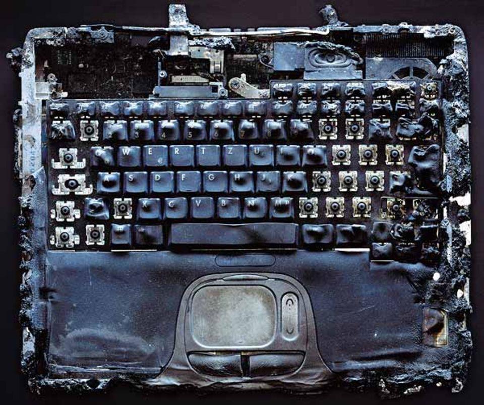 Dieser Laptop hat eine Hitze von mehreren Hundert Grad Celsius ausgehalten