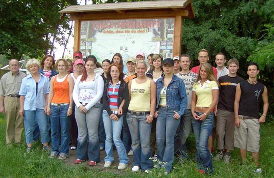 Naturforscher: Der Biologiekurs Klasse 12 der Berufsbildenden Schule Quedlinburg untersuchte das Schutzgebiet Teufelsmauer