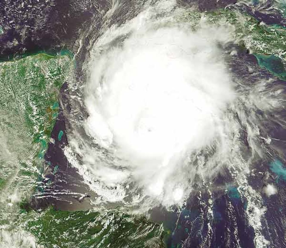 Zerstörerische Schönheit: ein Hurrikan über dem Atlantik