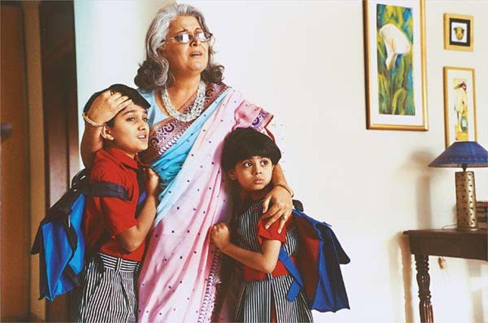 Dreimal musste Parth diese Szene drehen: Er und seine Filmschwester sollen verängstigt in die Arme der Großmutter fliehen.