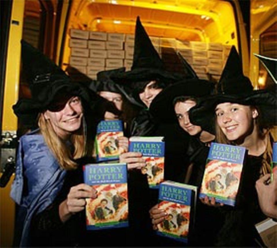 Harry Potter: Der Harry Potter Fanclub liefert zusammen mit Amazon und DHL die neuesten Bücher aus - zur Geisterstunde, versteht sich