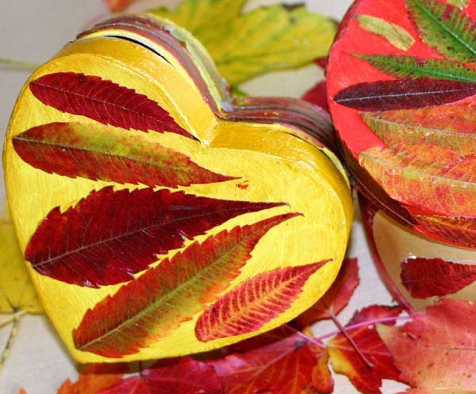 Basteln: Fertig sind die tollen Herbstdosen!