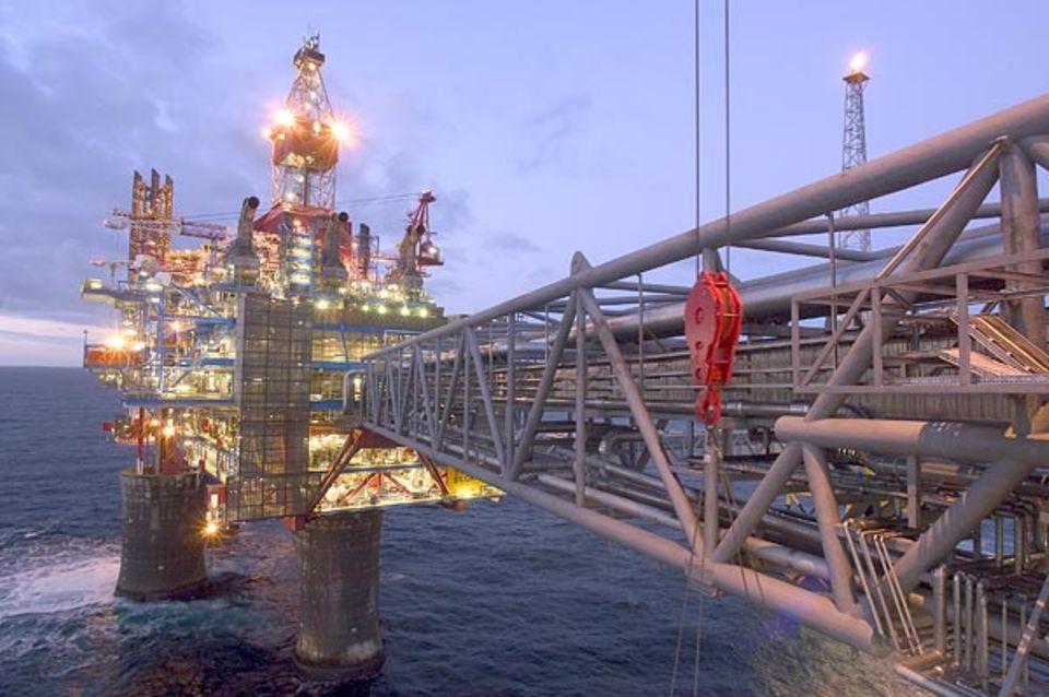 Rund 21 Millionen Kubikmeter Erdgas pumpt die norwegische Plattform Sleipner A aus drei Feldern unter der Nordsee täglich hoch