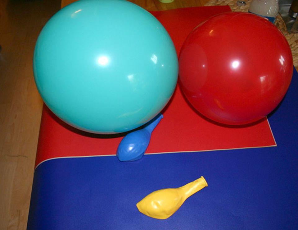 Basteltipp: Blase die Luftballons einfach so weit auf, wie du möchtest