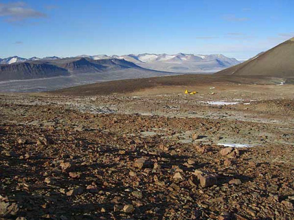 """In den Dry Valleys am """"Olympus Range"""" wollen die Forscher der Frage nachgehen, wann genau der antarktische Kontinent in Kälte erstarrte"""