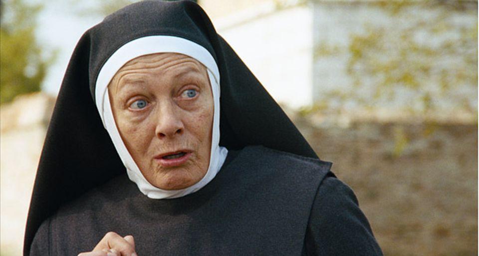 Im Waisenhaus der Barmherzigen Schwestern erzählt Schwester Antonia von dem Karussell