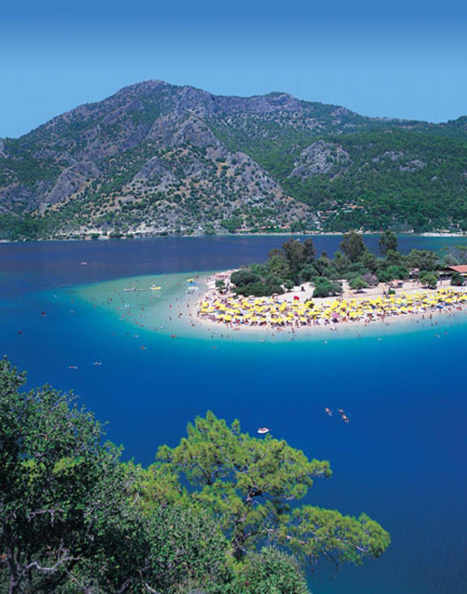 Die Südküste der Türkei ist ein beliebtes Ziel für Badeurlauber