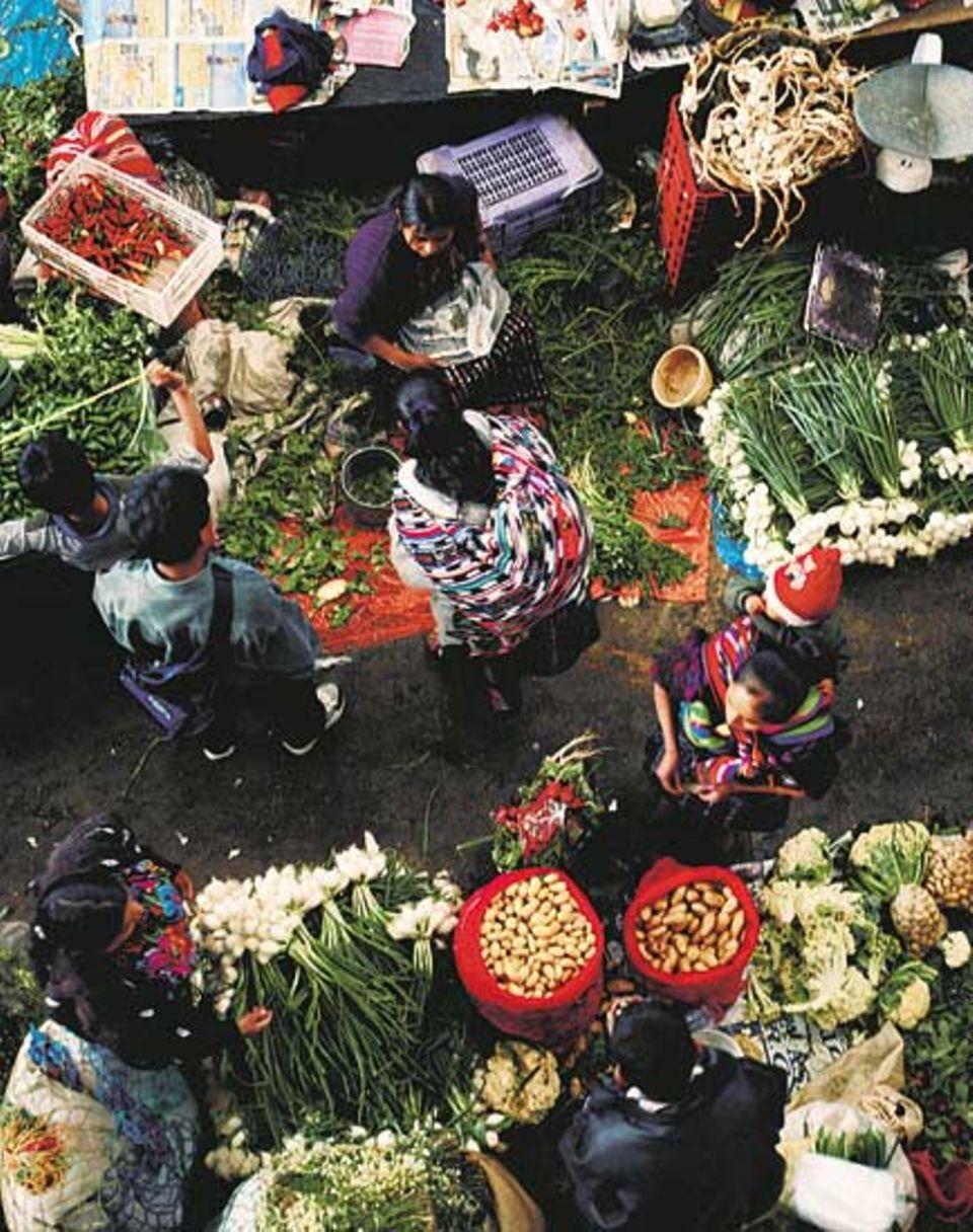 Eine Collage aus Farben, Mustern und Aromen: Chichicastenango ist der prächtigste aller Maya-Märkte
