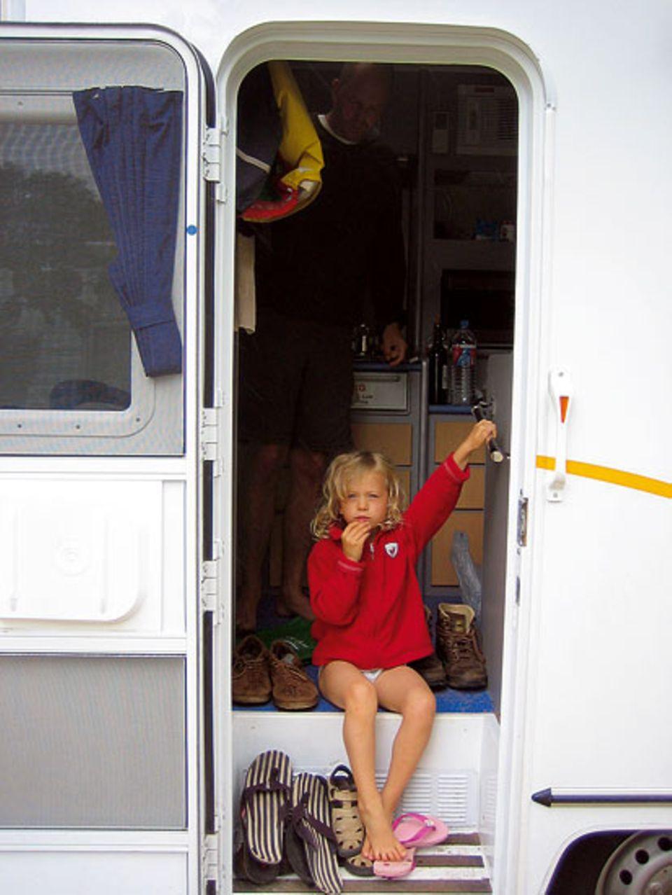 Gute Aussichten: Lynn auf ihrem Lieblingsplatz im Camper