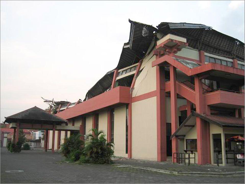 Angeschlagenes Haus neben dem Vulkanobservatorium in Yogyakarta