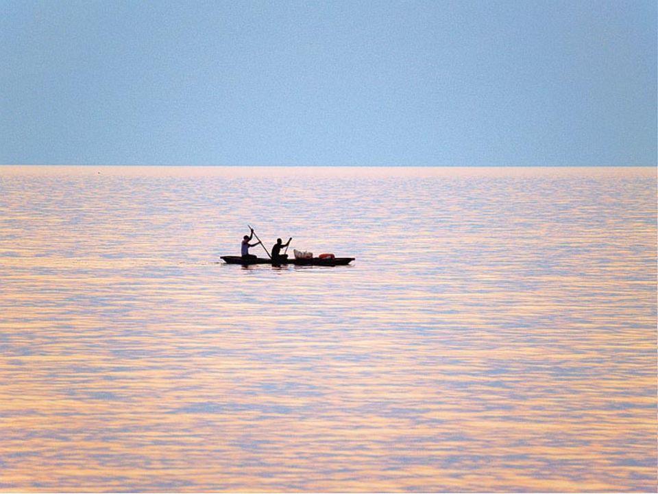 Das Boot gleitet dahin, vom Südwind getrieben