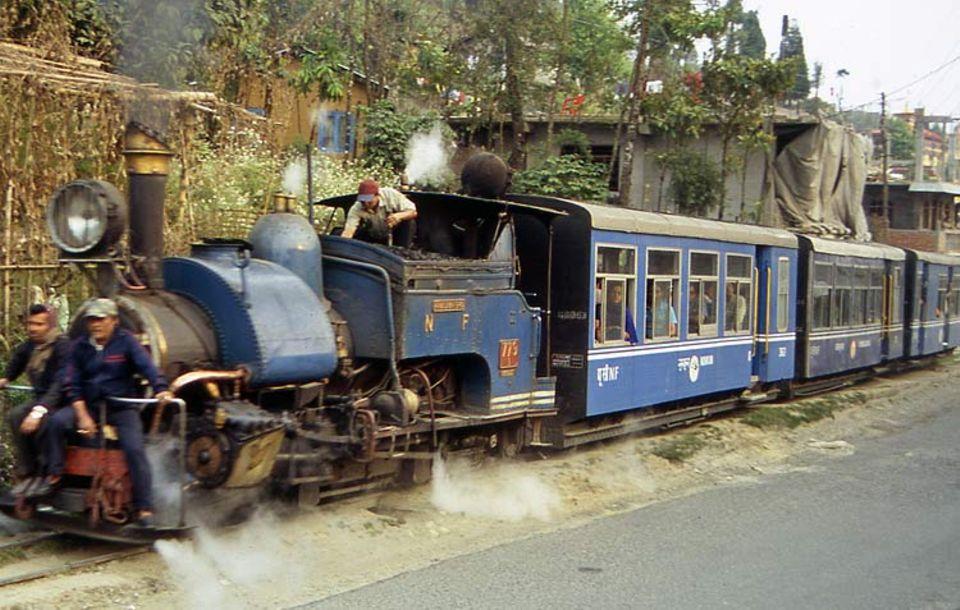 Die Engländer bauten die technisch einmalige Himalaja-Bahn im Jahre 1881