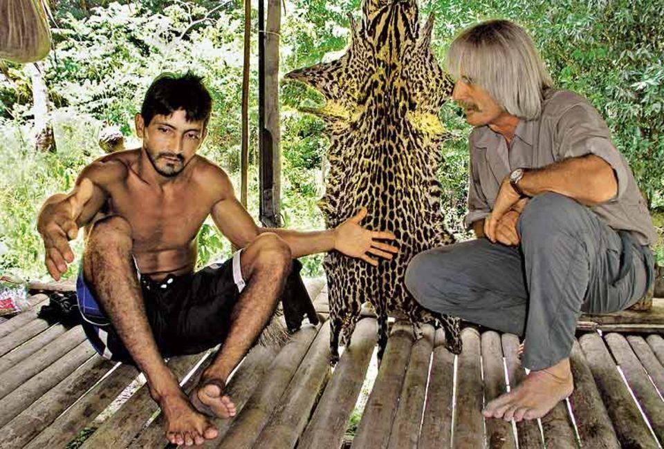 Das Tier war sooo groß ...! Marc van Roosmalen muss gut zuhören: Die Waldbewohner Brasiliens stoßen auf ihren Jagdzügen immer wieder auf unbekannte Tiere und erzählen ihm davon