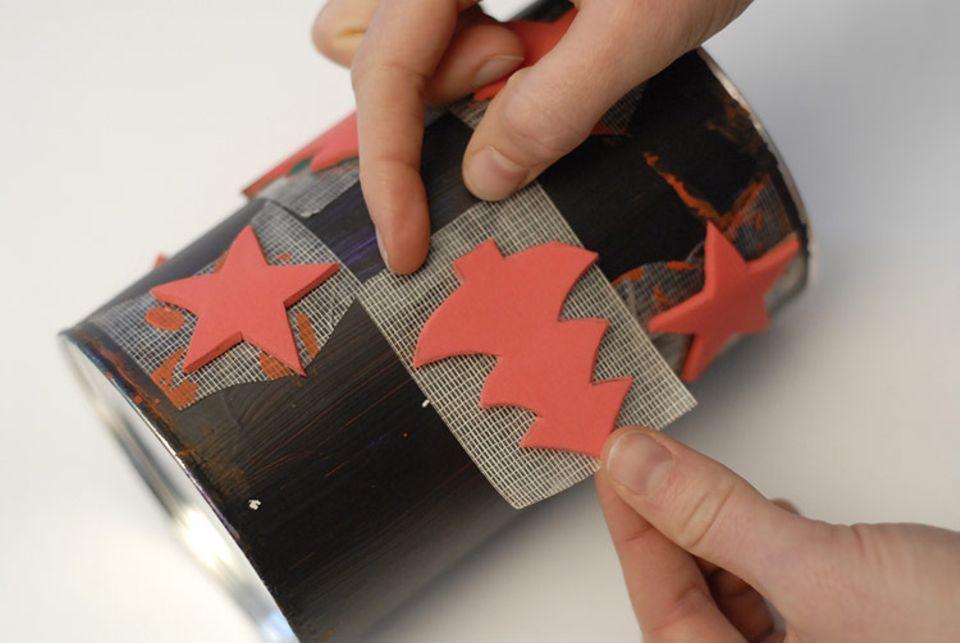 Bastelanleitung: Geschenkpapier selbst machen