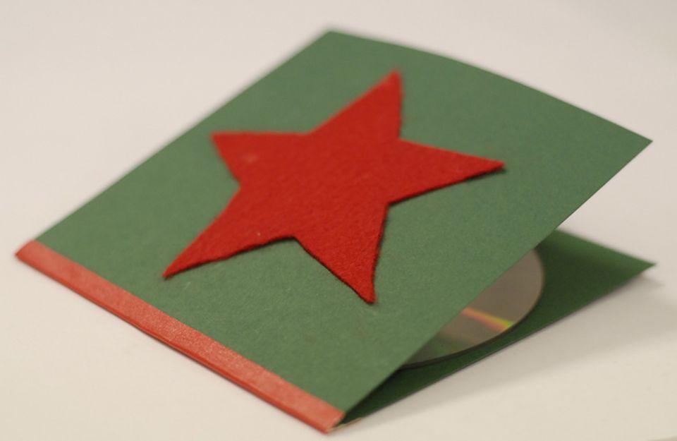Basteltipp: CD-Hüllen aus bunter Pappe