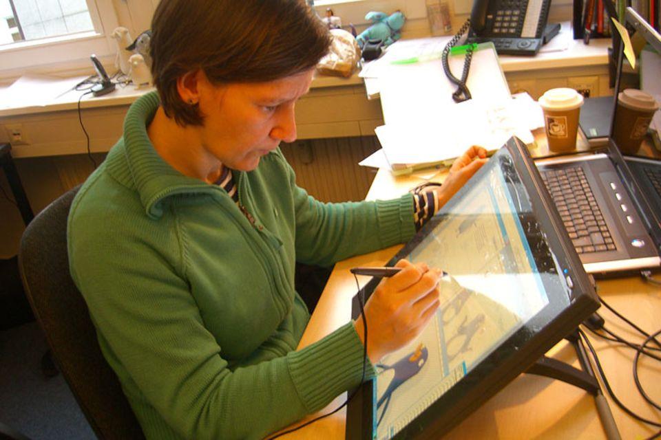 Filmproduktion: Direkt auf den Computermonitor malen? Daran musste sich Gerlinde Godelmann auch erst gewöhnen!