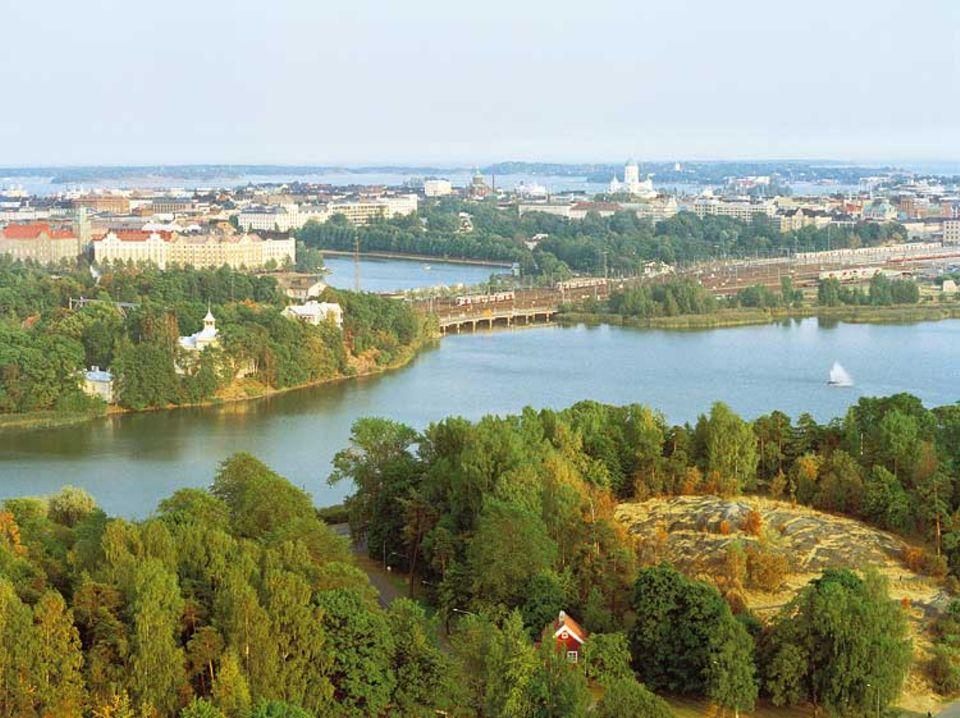 Viel Wasser, viel Grün: Vom Stadionturm aus lässt sich die 550.000-Einwohner-Stadt am finnischen Meerbusen gut überlicken