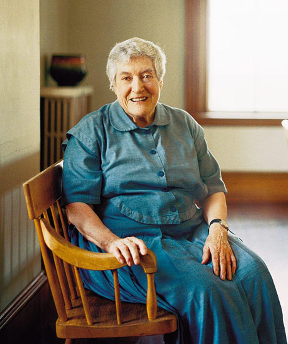 Selten legt sie die Hände in den Schoß: Schwester Frances hält im Sabbathday Lake Shaker Village mit Arbeit und Gebet die Utopie lebendig