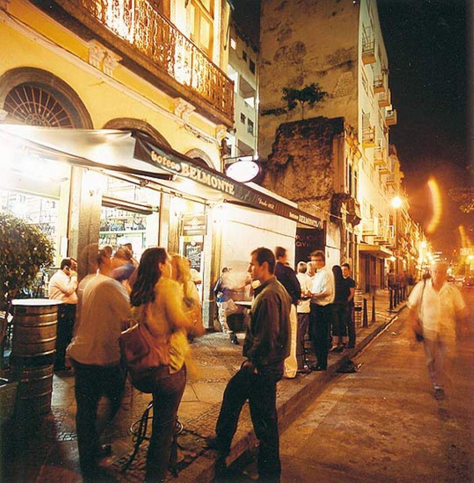 """Bar """"Belmonte"""" - tagsüber kommen Händler, abends Partygänger"""