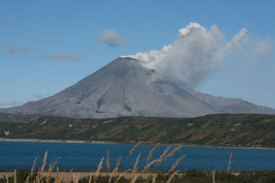 Von den 160 Vulkanen auf der Halbinsel Kamtschatka sind zur Zeit 30 aktiv