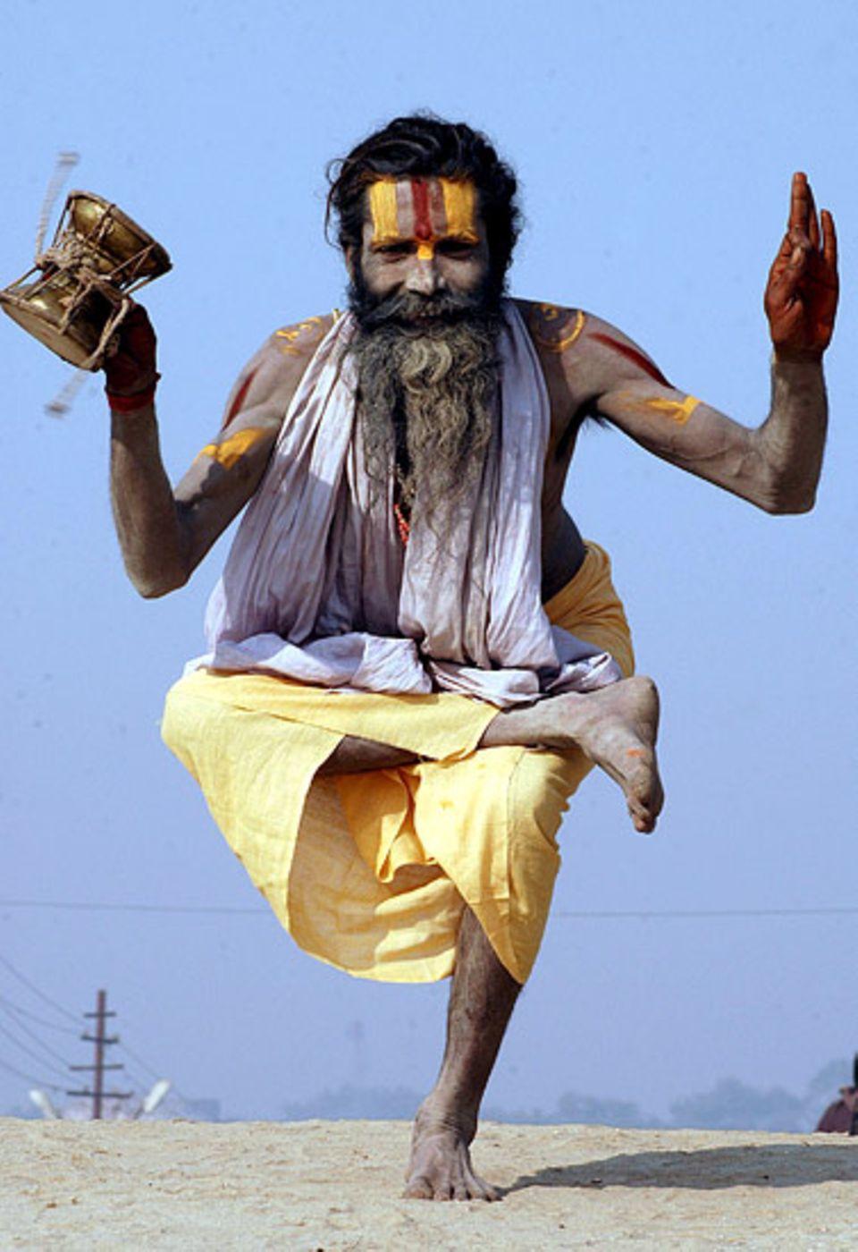 Hinduismus: Ein Hindu einer bestimmten Gruppierung beim Beten