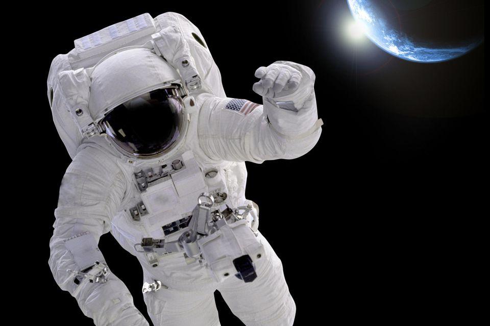 Astronaut im Weltraum, Astronomie, Weltall