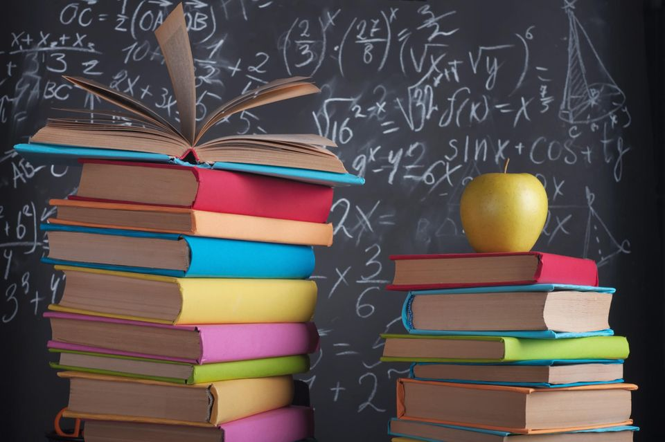 Bücher, Schule, Schulbücher, Bücherstapel