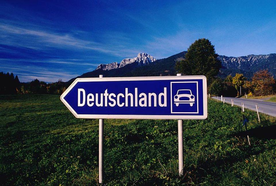 """Wohin des Worts? Schon immer sind """"fremde"""" Wörter ins Deutsche eingewandert – und immer schon wanderten deutsche Wörter aus"""
