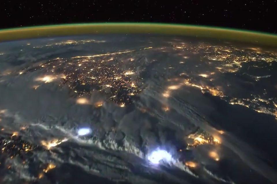 Astronaut Tim Peak: So sieht ein Gewitter vom All betrachtet aus