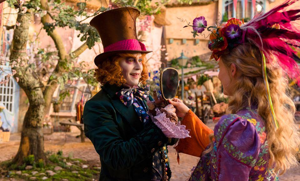 Filmtipp: Im neuen Film muss Alice die Familie des Verrückten Hutmachers (Johnny Depp) retten