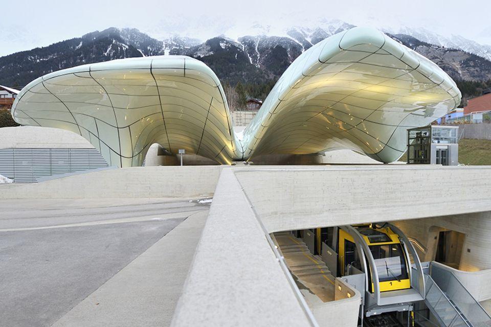 Alpencities: Futuristisch geht es in Innsbruck in die Höhe mit der Nordkettenbahn