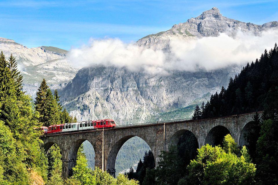 Landschaftskino: Die imposantesten Bahnstrecken der Alpen