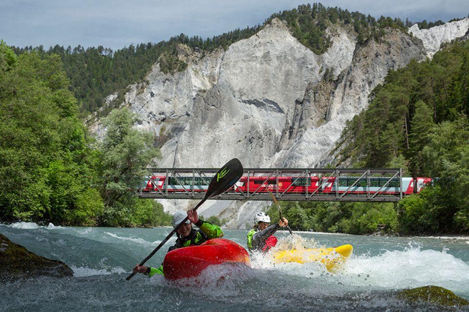 Landschaftskino: 291 Brücken und durch 91 Tunnels passiert der Glacier Express zwischen St. Moritz und Zermatt