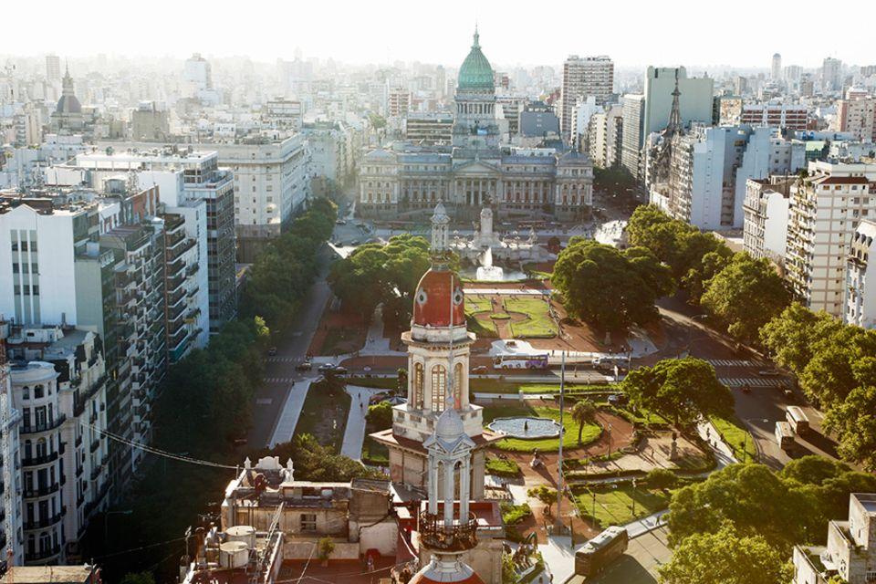 Reisetipps für Argentinien: Blick auf den Plaza Congreso und das Häusermeer von Buenos Aires vom Palacio Barolo aus gesehen