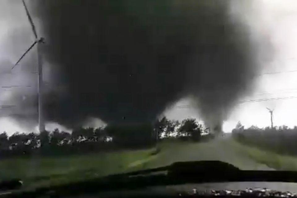 Schleswig-Holstein: Video: Ein kleiner Streit zwischen zwei Tornados