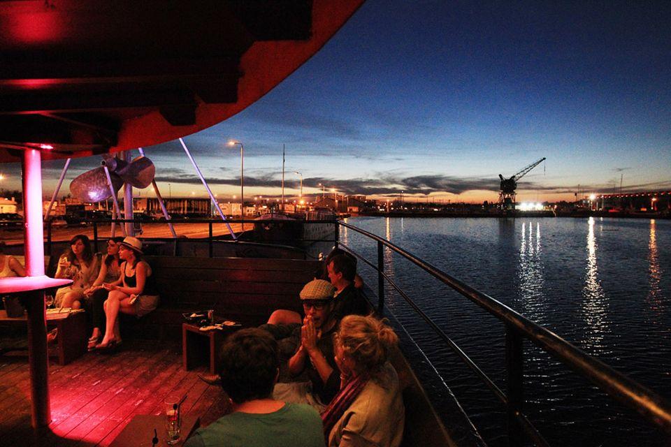 Frankreich: Party, Cocktails und Live-Musik vereint das I.Boat