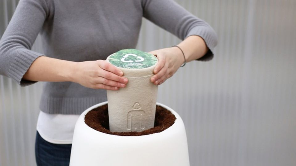 Ökologische Bestattungen: Saubere Sache: Die Bios-Urne ist komplett biologisch abbaubar